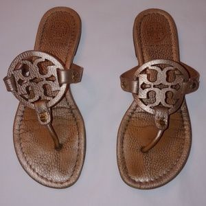 REALLY CUTE TORY BURCH SANDALS